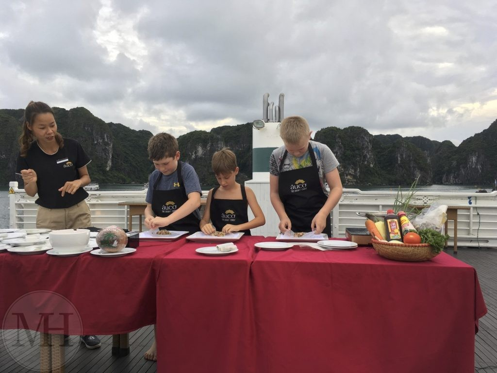 Bhaya Cruises Halong bay spring roll contest mad konkurrence