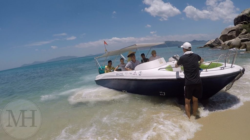 Six Senses speedboat